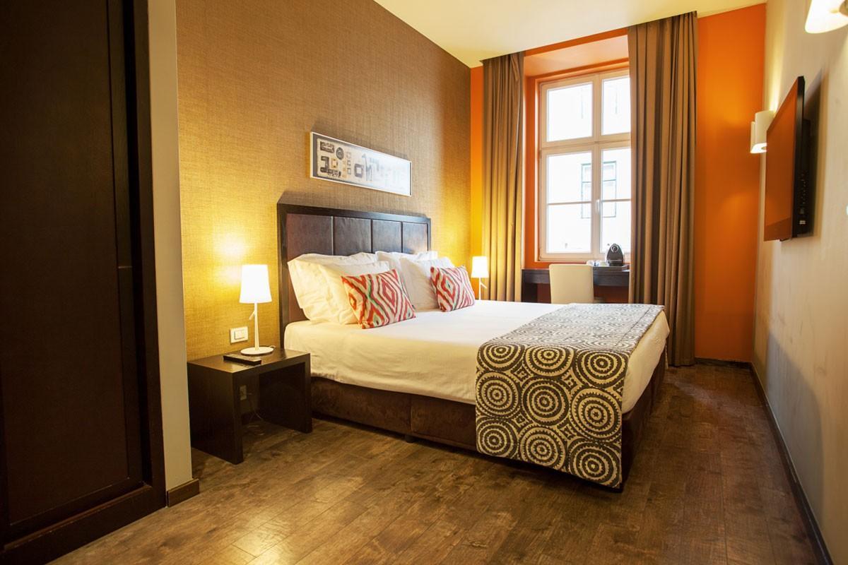 Zimmer internacional design hotel lissabon for Designhotel lissabon